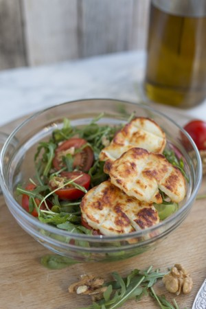 Keto Grilled Halloumi Salad