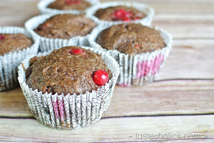 Currant Flaxseed Muffins - breakfast muffins
