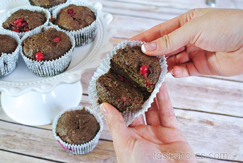 Currant Flaxseed Muffins - low carb breakfast muffins