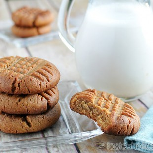 Low Carb Peanut Butter Cookies 3