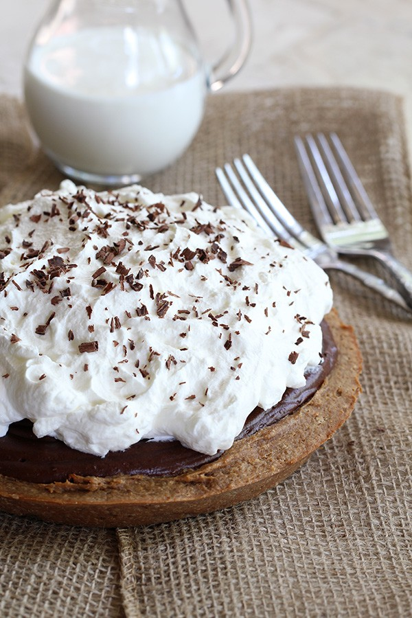 Low Carb & Gluten Free Peanut Butter & Chocolate French Silk Pie