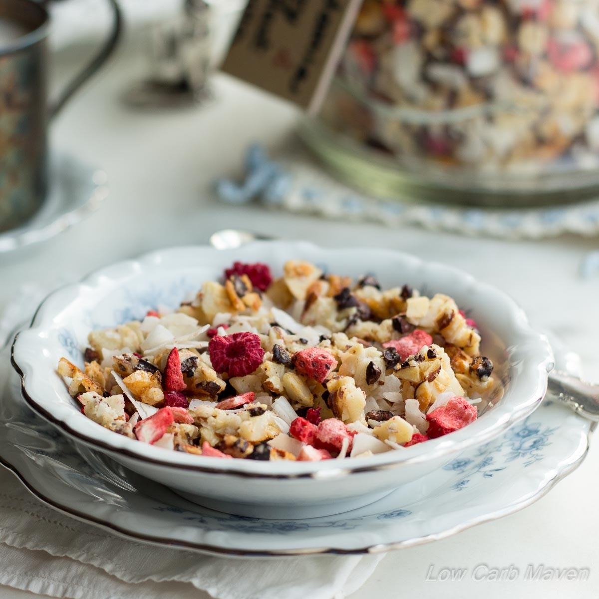 macadamia-berry-blast-granola-3