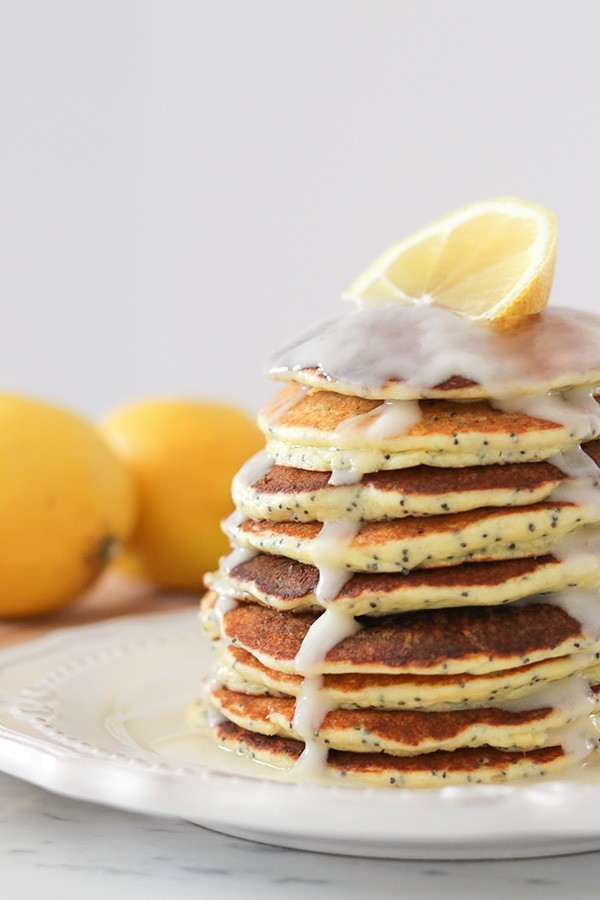 Lemon Poppy Seed Pancakes - Low Carb Breakfast | Tasteaholics.com