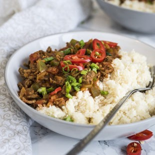 Slow Cooker Chili with Cauliflower Rice